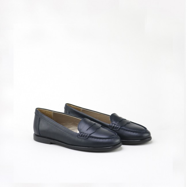 Low vamp moccasin