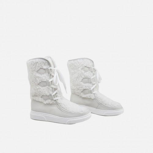 WHITE COZY BOOTS