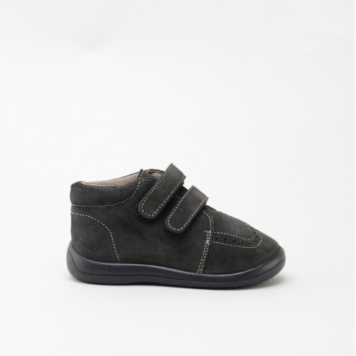 Two velcros toddlers boot