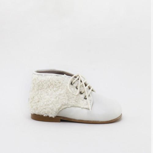 Fleece first steps boots
