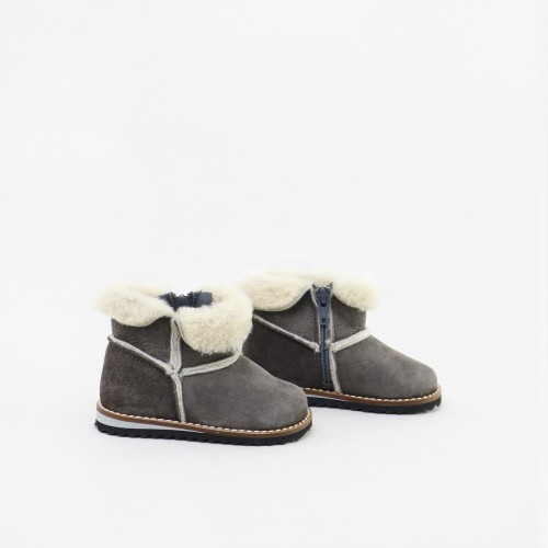 Natural fur boot
