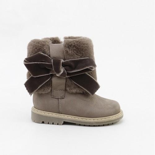 Velvet bow boot