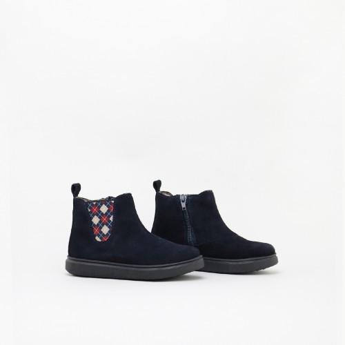 Square elastic Chelsea boot