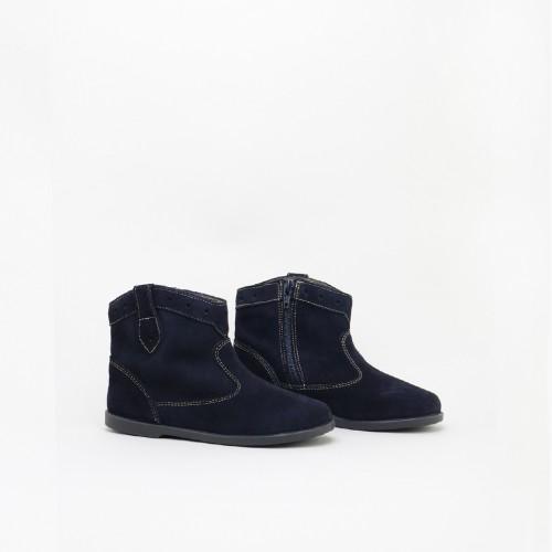 Bowboy boot