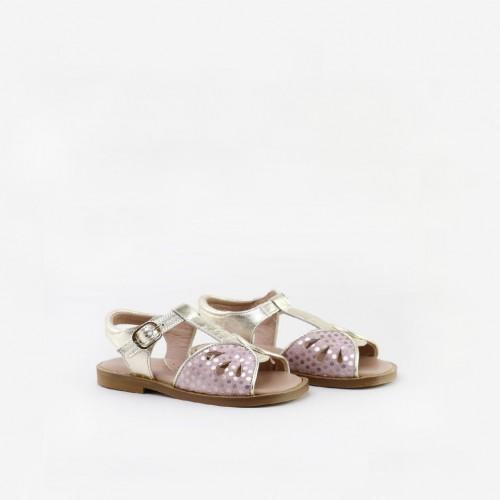 Sandalias perforadas...
