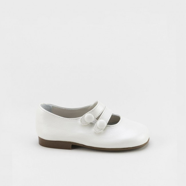 Double strap Mary-janes