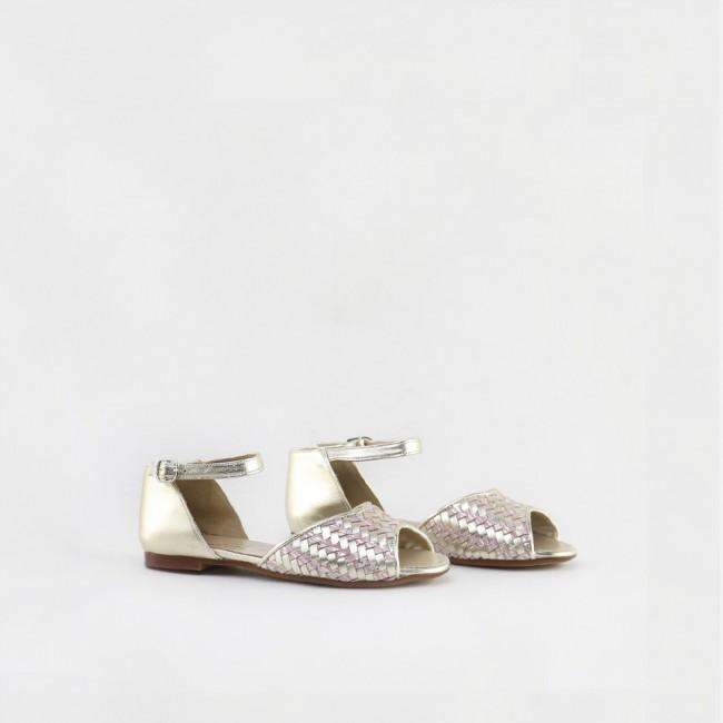 Weaved shoe