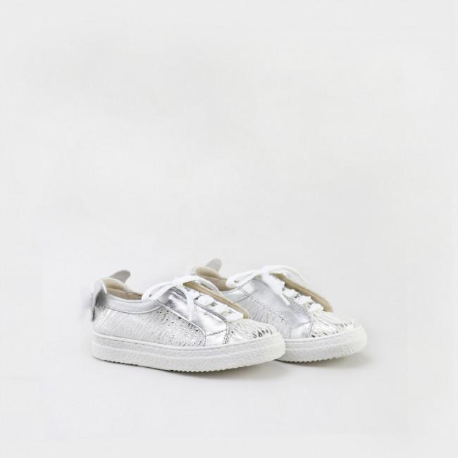 Butterfly sneaker