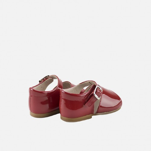 Sandalias de charol rojas para primeros pasos