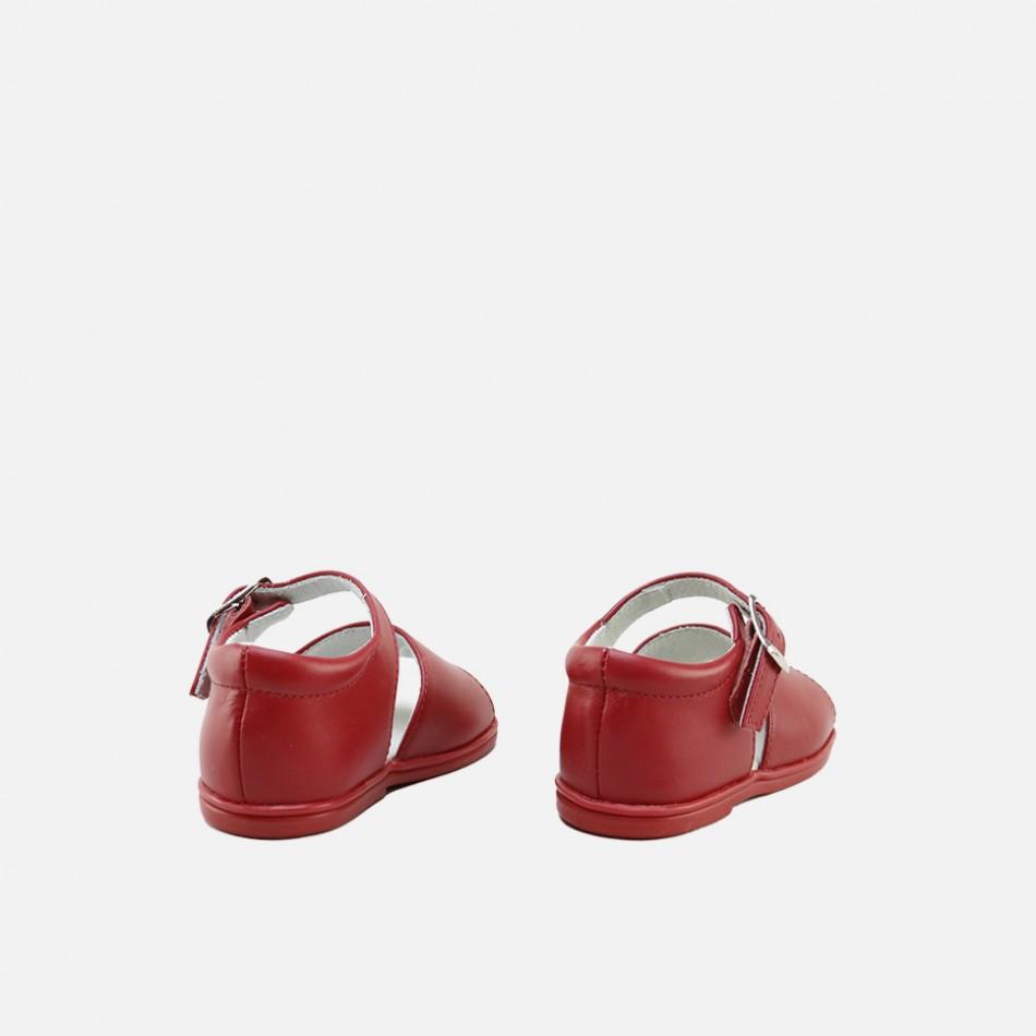 Sandalias clásicas rojas para primeros pasos
