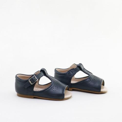 Sandalias picadas en azul de la marca Cucada