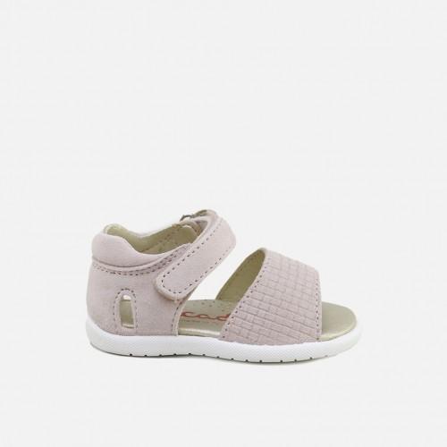 Sandalias picadas de ante en tono rosa