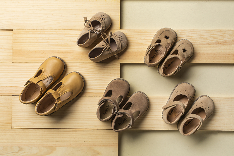 Suggested shoes for the safety of their first steps