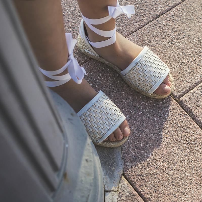 Jute espadrilles, a comfortable and versatile footwear